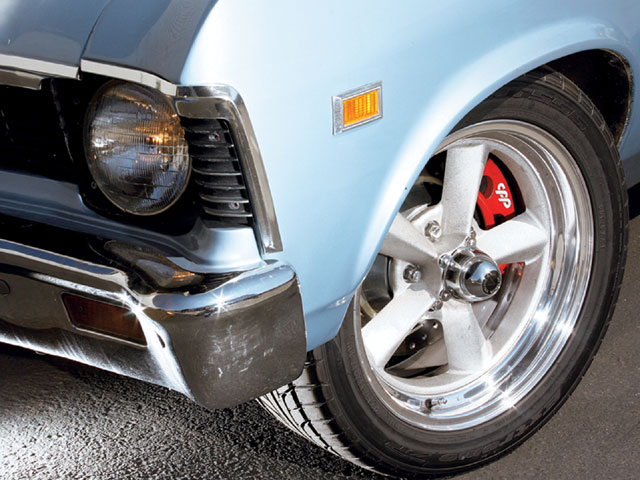 Sucp_0806_01_z 1969_chevy_nova Disc_brakes_installed