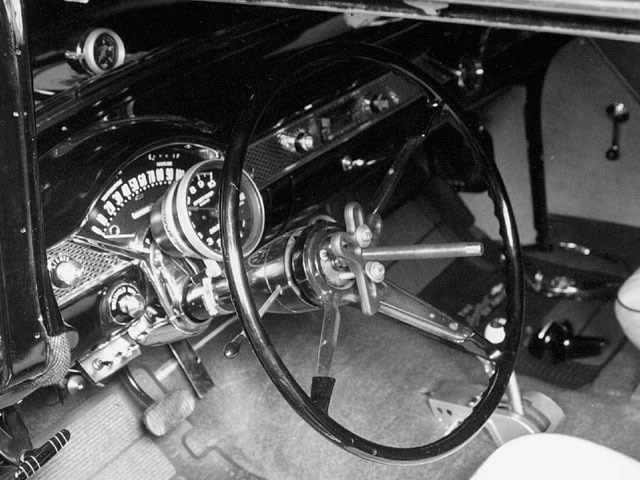 Sucp_0110_01_z 1955_chevy_power_steering Steering_wheel