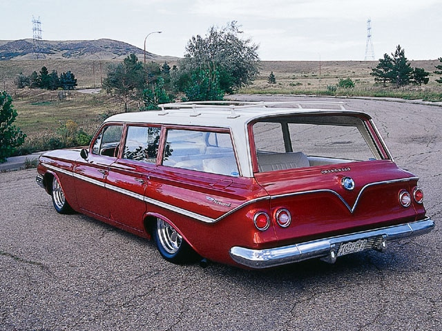 Sucp_0111_02_z 1961_chevy_station_wagon Rear_view