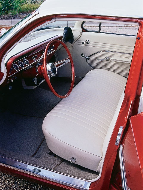 Sucp_0111_03_z 1961_chevy_station_wagon Interior