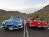 Corp_0808_14_z 1960_corvette Twins