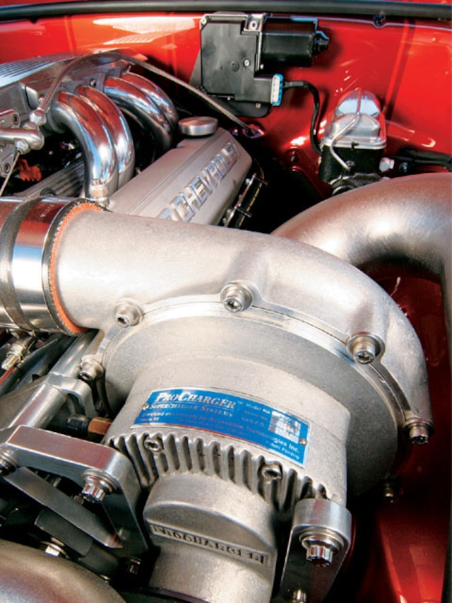 Chevy Supercharger - Cylinder - Super Chevy Magazine
