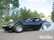 Vemp_0902_05_z 1982_chevrolet_corvette Burnout