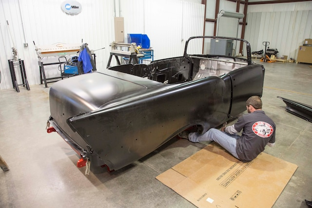 Hot Rodz Builds Classic 1957 Chevrolet Convertible 17