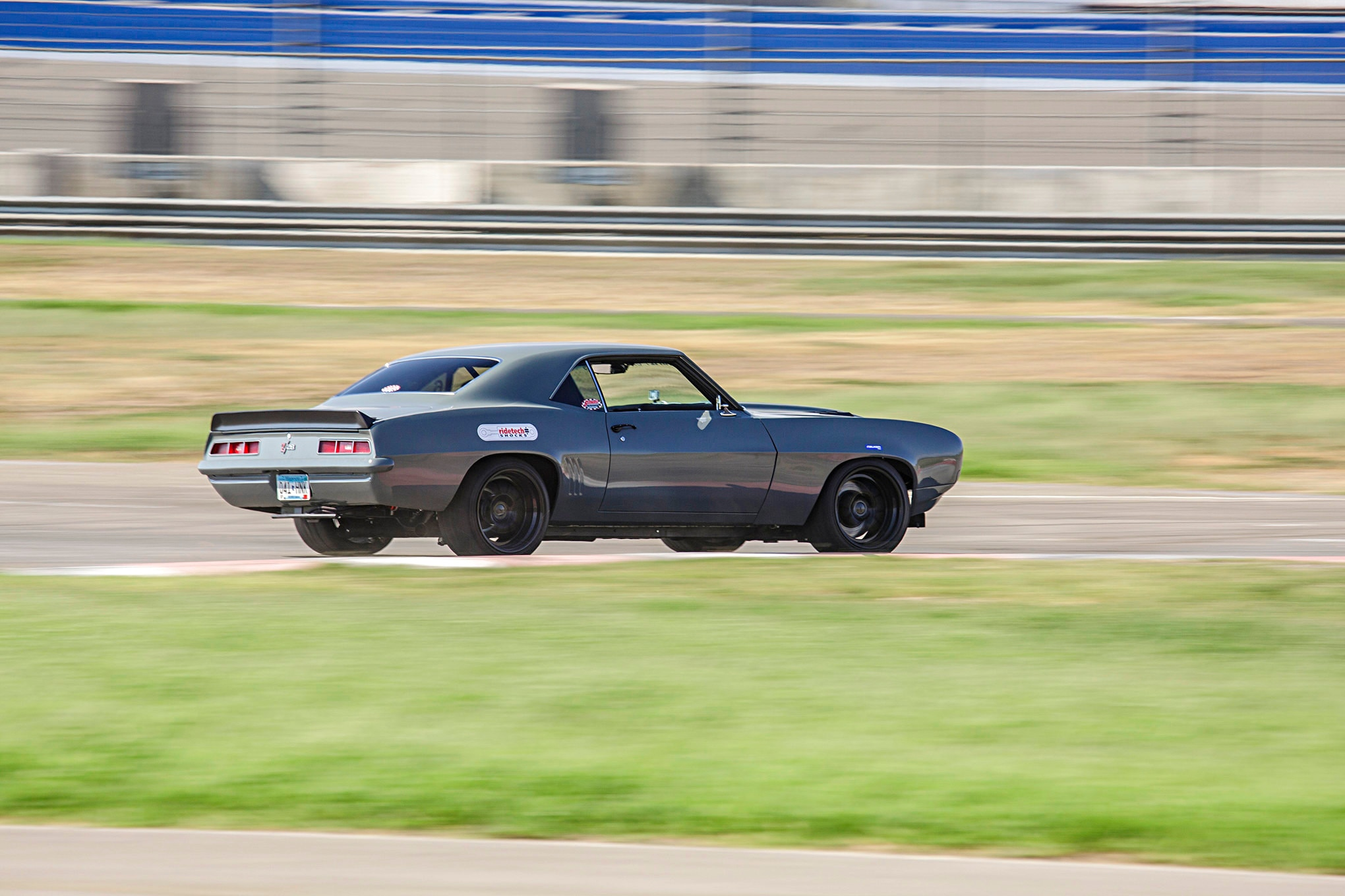 1969 Schwartz Camaro Falken Tires Super Chevy Muscle Car Challenge Rt615k 009