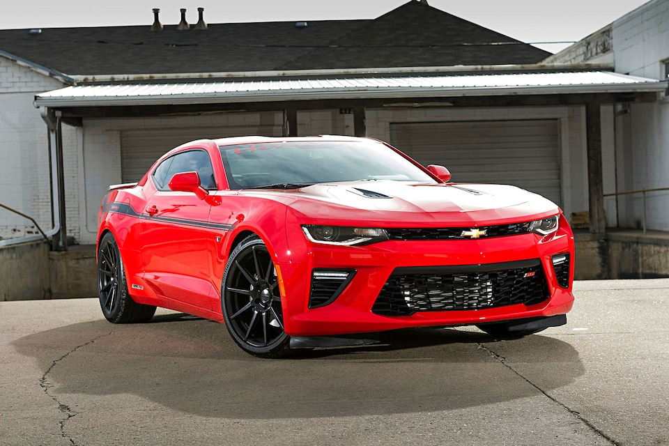 2016 Chevrolet Camaro Ss Hennessey 200 Mph Red Front Quarter 007