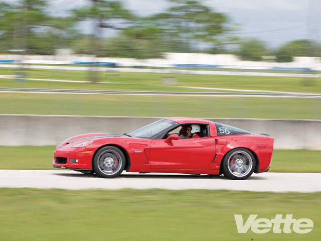 Vemp_0903_03_z 2009_chevrolet_corvette_ZR1 Driver_side_view