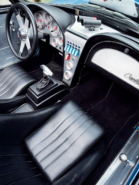 Vemp_0602_06_z 1965_corvette_stingray Interior