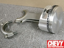 0903chp_02_z 540_chevy_big_block_engine_build Carillo_rods_and_je_forged_pistons