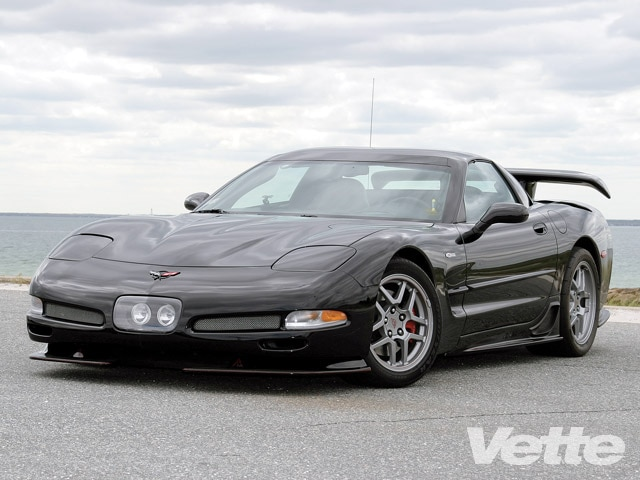 Vemp_0906_01_z 2004_chevrolet_corvette_z06 Front_left