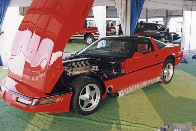 1 1992 Falconer V 12 Corvette
