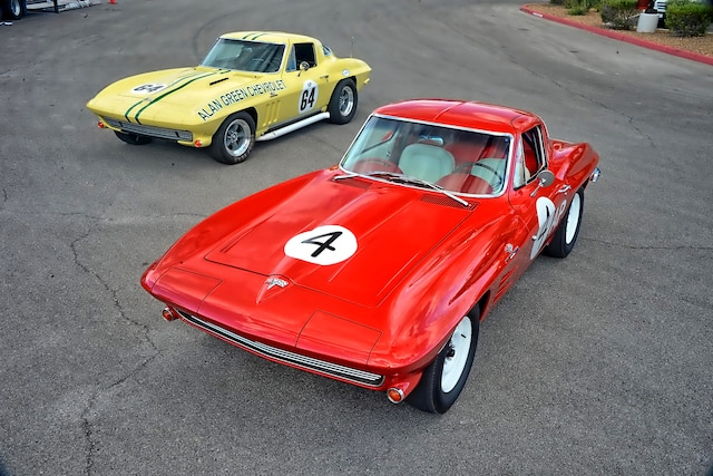 American Heritage Award NCRS Honors 2 Corvettes 001