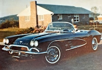 043 Barn Find 1961 Corvette Black