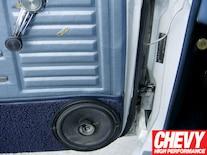 0908chp_04_z 1967_chevy_chevelle_custom_autosound_stereo_install Heater_control