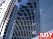 0908chp_07_z 1967_chevy_chevelle_custom_autosound_stereo_install Stock_radio_removal