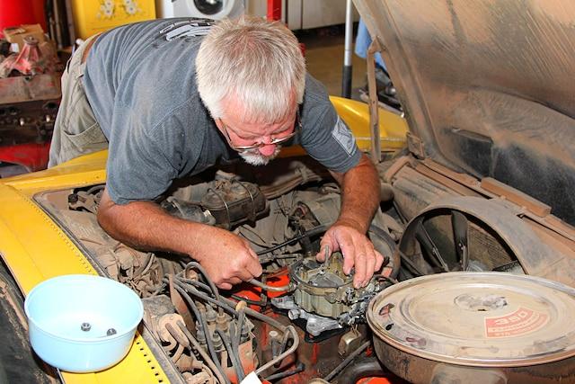 Corvette Edelbrock Quadrajet Carb Rebuild 001