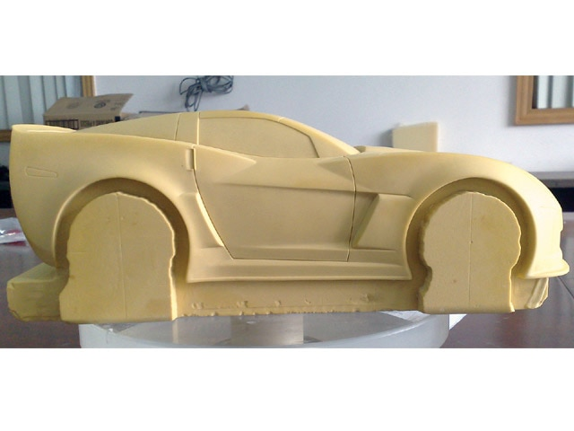 Vemp_0909_03_z Toy_car_model In_process