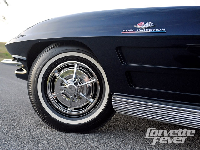 Corp_0910_03_z 1963_chevrolet_corvette Wheel