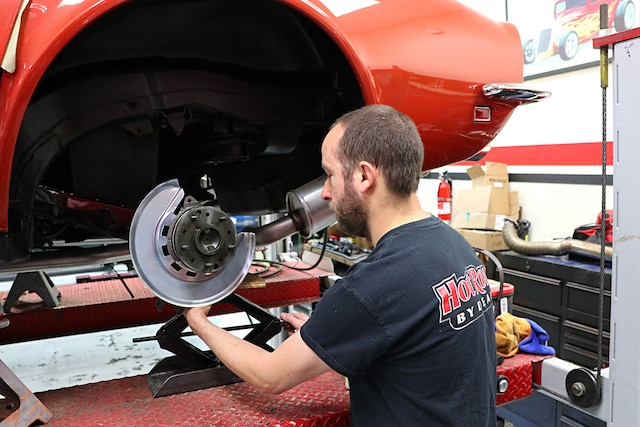 1968 C3 Corvette Irs Rebuild Lonestar Caliper 01