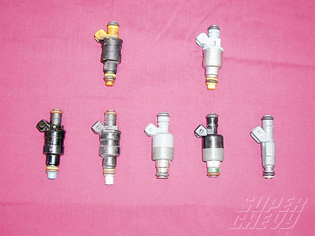 Sucp_0409_05_z Chevy_fuel_pump Fuel_injectors