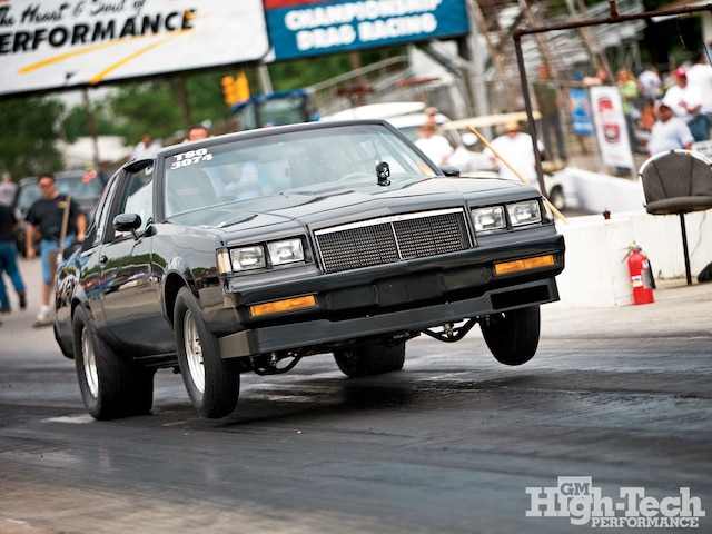 1007gmhtp 01 O 1986 Buick Grand National Launch