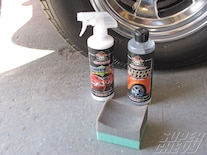 Sucp_1006_08_ Detailing_tricks Rubber_and_tire_shine