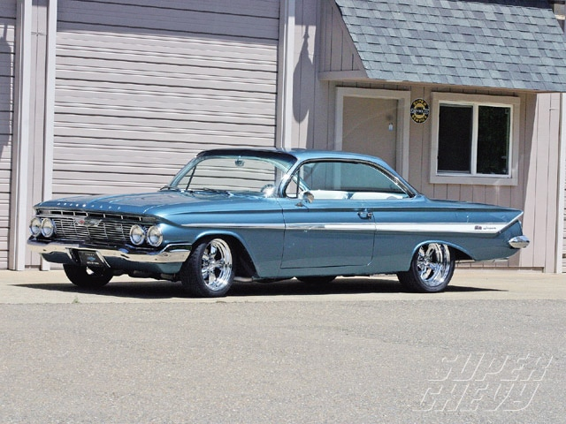 Sucp_0912_01_z 1961_chevy_impala_ss_clone Side_view