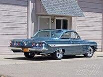 Sucp_0912_03_z 1961_chevy_impala_ss_clone Rear_view
