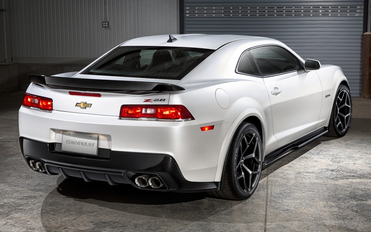 2014 Chevrolet Camaro Z/28 revealed!