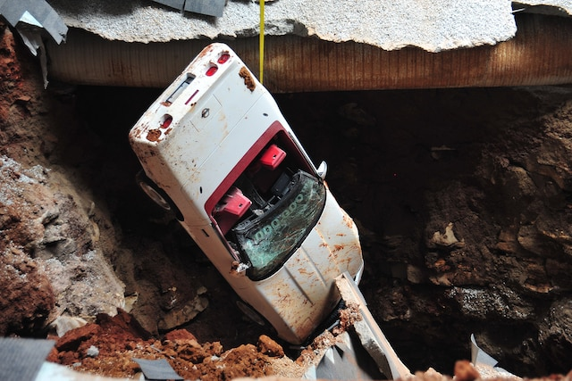 1992 Chevrolet Corvette One Millionth Sinkhole Rescue