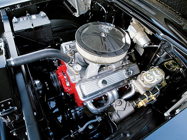 0412sc_02z 1957_chevrolet_150 Engine_view