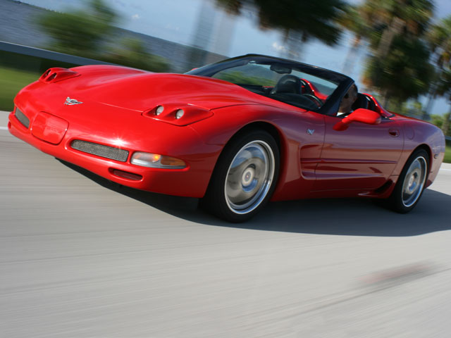 Vemp_0801_01_z 2003_corvette_convertible Front_driver_side_view
