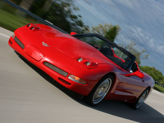 Vemp_0801_11_z 2003_corvette_convertible Front_view
