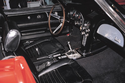 P67560_large 1967_Chevrolet_Corvette Interior
