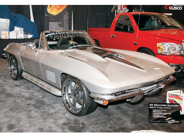 Vemp_0804_07_z 2007_SEMA_corvettes Procharger_1967_corvette