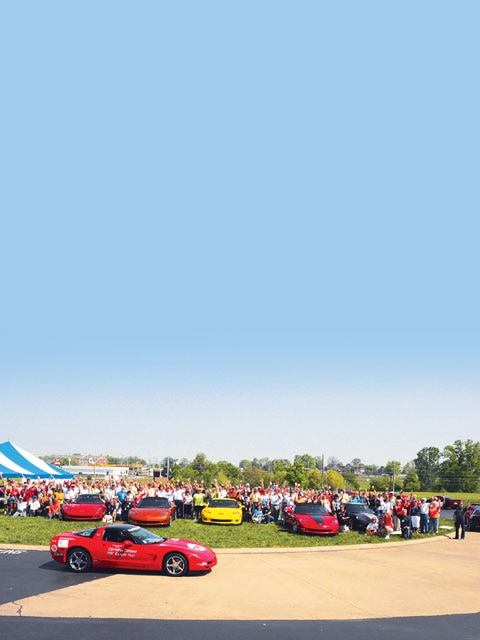 Vemp_0610_01_z Corvette_birthday_bash Full_corvette_crowd