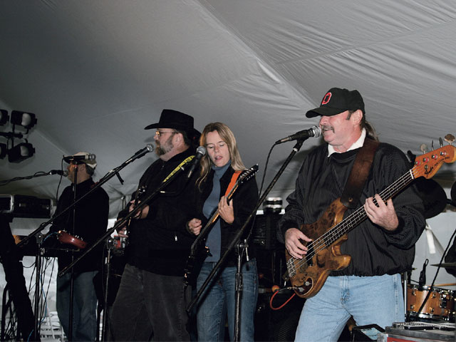 Sucp_0603_14_z Super_chevy_show_ohio Mcguffey_lane_performance