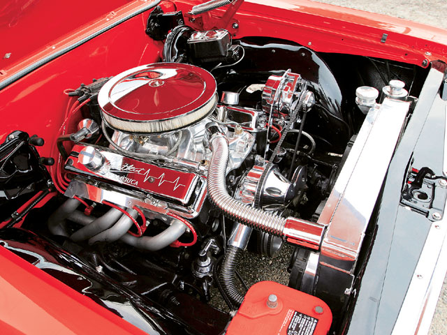 Sucp_0604_04_z 1964_chevelle_malibu_SS Engine