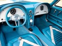 Corp_0702_06_z 1967_resto_mod_corvette Interior_view
