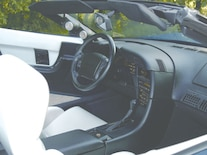 Corp_0401_05_z 1993_chevrolet_corvette_convertible Interior