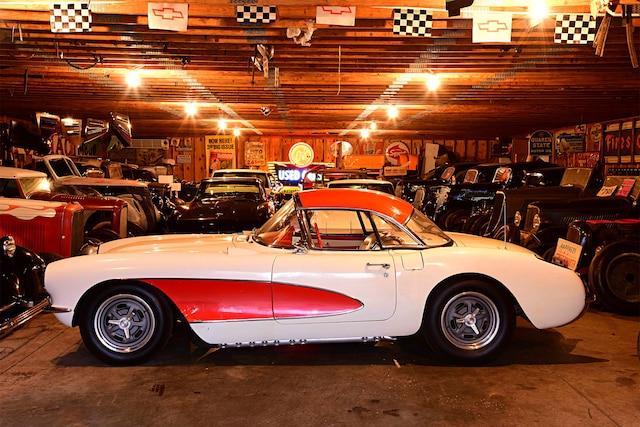 01 1957 Corvette C1 Dual Carbs Sebring Racer Simard