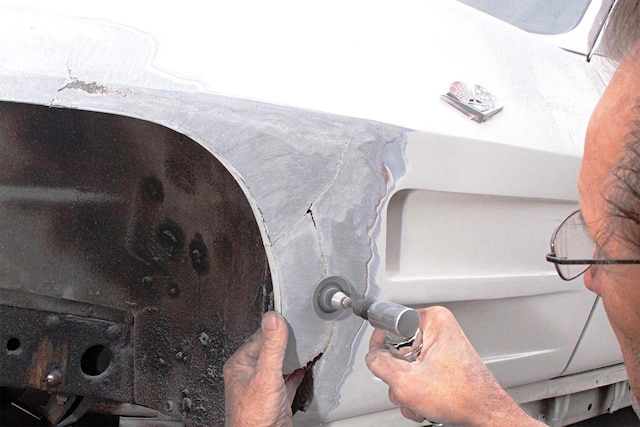 Repairing A Damaged 1963 To 1967 C2 Corvette Fiberglass Fender